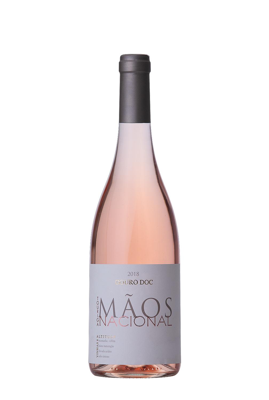 r4, Douro fotografia, quintas,  garrafas, paisagem, fotos de garrafas, fotografia de produto, docdouro, vinhosdoc, vinho branco, vinho tinto, fotografia de produto garrafas, mãos